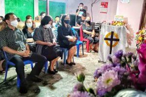 Caroll Senduk  Beri Penghiburan buat Keluarga atas Berpulangnya Almarhumah Els Mararu
