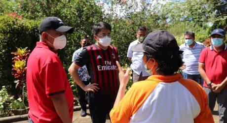 Wali Kota Andrei Angouw Dialog dengan Pekerja di Taman Nurseyy Mapanget