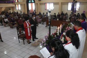Wali Kota dan Ketua TP PKK Tomohon Diutus dalam Ibadah Kudus