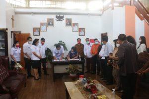 Wali Kota Tomohon dan Rektor Unima Teken MoU terkait Tri Dharma Perguruan Tinggi