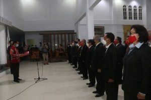 Caroll Senduk Lantik 45 Staf Khusus Wali Kota