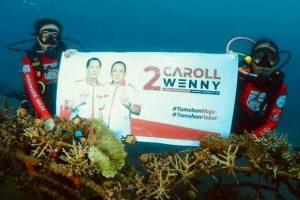 Wow..! Baliho CSWL Dibentangkan di Bawah Laut