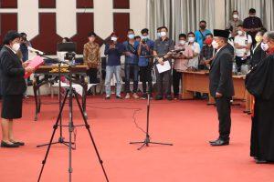 Dipimpin Altje Dondokambey, Dolfie Angkouw Resmi Sandang Status Legislator Manado