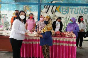 Sondakh Tinjau Pasar Murah di Kecamatan Maesa
