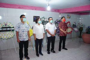 CS Dampingi Maurits Mantiri Ziarah di Makam Mantan Wali Kota Bitung