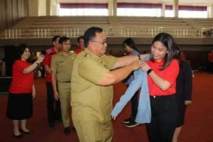 Mahasiwa PKL Fakultas Hukum Unsrat Diterima Wabup Minahasa