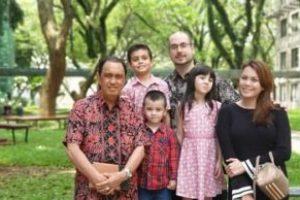 Tugas Pemerintahan, Bupati Minahasa Ibadah Paskah di Tangerang